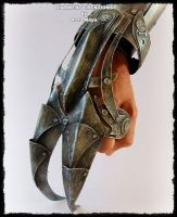 Steampunk Claw Hand by ~Diarment on deviantART Made from cardboard and paint.>>I want to see this in metal. Steampunk Weapons, Style Steampunk, Steampunk Cosplay, Steampunk Fashion, Gothic Steampunk, Steampunk Drawing, Fantasy Armor, Fantasy Weapons, Steampunk Accessoires