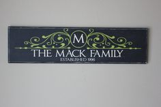 I love this family name sign!