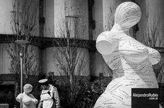 #streetphoto #streetphotography #fotocallejera #puertomadero #escultura #sculpture #breast #alerubio