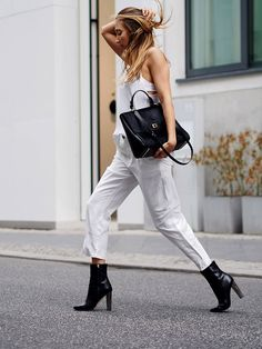 #black #white #culottes #boots #bags #hugoboss #bespokebag #chic #minimal #artistic #autumn #fall #trends #2015 #streetstyle #helloshopping