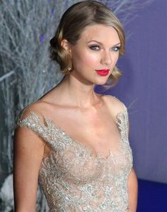 "irishrover85: ""Taylor Swift see through """