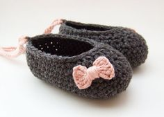 Organic Baby Booties in Gray with Pink Bows by JennOzkan on Etsy, $28.00