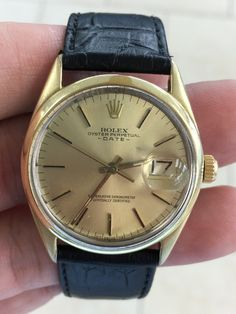 VINTAGE ROLEX OYSTER PERPETUAL DATE GOLD CAP 34MM REFERENCE 1550 GOLD DIAL!