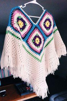 Items similar to Crocheted Ivory Poncho-Sweater-Granny Square Poncho-Women Tassle Wrap-Crochet Sweater on Etsy Crochet Stars, Love Crochet, Beautiful Crochet, Crochet Baby, Knit Crochet, Doctor Who Crochet, Crochet Shell Stitch, Crochet Poncho Patterns, Yarn Crafts