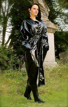 Raincoats For Women Rain Coats Vinyl Raincoat, Pvc Raincoat, Raincoat Jacket, Plastic Raincoat, Hooded Raincoat, Black Rain Jacket, Rain Jacket Women, Pvc Fashion, Womens Fashion