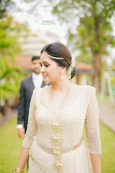 Dressed by Dhananjaya Bandara Bridal Sari, Bridal Wedding Dresses, Wedding Attire, Brides Maid Gown, Brides And Bridesmaids, White Saree Wedding, South Indian Bridal Jewellery, Christian Bride, Bridesmaid Saree