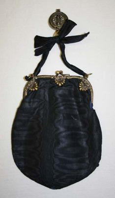Object Name Purse Date 1700–1938