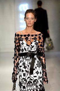 Outstanding Crochet: Keep dreaming about summer dress. Laura Biagiotti.