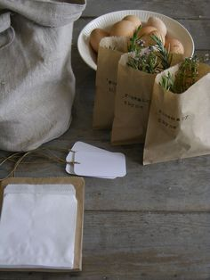 Herbs in stamped brown paper bags. [Grab some fresh herbs from your garden and make these little take home gifts for your dinner party guests.] - another lunch with Luana gift idea Pretty Packaging, Packaging Design, Petit Cake, Farm Stand, Sweet Home, Brown Paper, Fresh Herbs, Homemade Gifts, Farmers Market