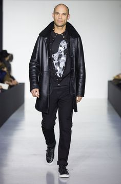 men's winter 2017 fashion show enjoy our friends wearing agnès b.'s exclusive looks! graffiti writer : Philippe Baudelocque