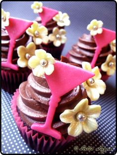 These are some pretty serious sassy cupcakes. Bachelorette party?
