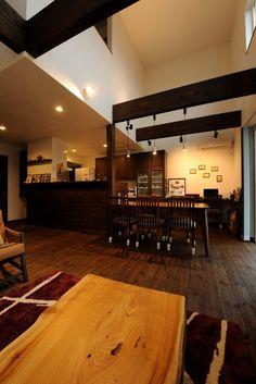 【アイジースタイルハウス】キッチン。上質な空間に回遊動線も兼ね備えたダイニングキッチン