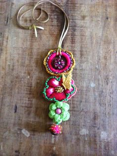 Colar Boho chic flor de chita e borbolet