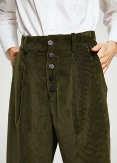 Discover the latest trends in Mango fashion, footwear and accessories. Cord Trousers, Baggy Trousers, Trousers Women, Pants For Women, Modest Fashion, Fashion Outfits, Corduroy Pants Women, Winter Mode, Get Dressed
