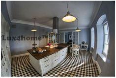Mozaiki kamienne na podłodze - białe i czarne kostki marmuru od Lux4home™