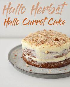 Hallo Herbst! Hier kommt ein Carrot Cake mit Cream Cheese Frosting - mit Mandeln statt Nüssen und somit auch für die meisten Nussallergiker genießbar.