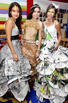 "Talking trash: Young At Art Museum's ""Recycled Fashion Show"" - paper dresses - Repurposed Fashion Paper Fashion, Diy Fashion, Fashion Show, Young At Art Museum, Paper Clothes, Paper Dresses, Recycled Dress, Newspaper Dress, Creation Couture"