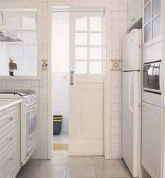 Como separar a área de serviço da cozinha sem perder claridade?   Casa, décor, etc.
