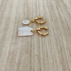 Maple Pearl Hoop Earrings (1)sm Hoop Earrings, Pearls, Jewelry, Jewlery, Jewerly, Beads, Schmuck, Jewels, Jewelery