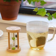 Color coded sand timers signify how long to brew white, green or black tea. Tea Timer, Sand Timers, Tea Gifts, Barware, Brewing, Coffee Maker, Tableware, Tool Set, Lovers