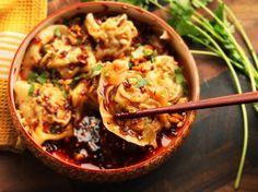 Sichuan-Style Wontons in Hot and Sour Vinegar and Chili Oil  Mein Blog: Alles rund um Genuss & Geschmack  Kochen Backen Braten Vorspeisen Mains & Desserts!