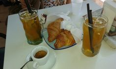 #Breakfast #Tea #Coffee #Croissant #Nutella #Creme #Bar #Mom #Sis #GoodMorning #Sweet #Love #Food #ColazioneItaliana :)