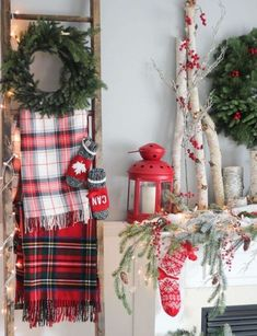 49 Easy Natural Christmas Apartment Decorating Ideas - Page 3 of 31 - Easy Hairstyles Decoration Christmas, Farmhouse Christmas Decor, Christmas Mantels, Plaid Christmas, Diy Christmas Ornaments, Rustic Christmas, Christmas Home, Christmas Wreaths, Christmas Christmas