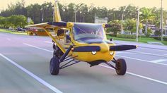 """Plane Driven """"roadable aircraft,"""" registers as a motorcycle Aeroplane Flying, Bush Plane, Flying Car, Aircraft Design, Machine Design, Aviation Art, Private Jet, Luftwaffe, Gliders"""
