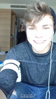 Ashton is beautiful :)