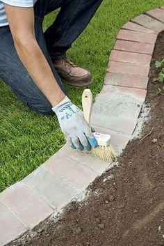 14 Innovative Garden Edging Ideas on The Cheap Brick Edging Garden Yard Ideas, Lawn And Garden, Garden Beds, Diy Garden, Garden Fencing, Wooden Garden, Garden Edging Ideas Cheap, Glow Garden, Cement Garden