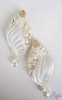 """Shibori silk earrings """"Purity"""" -Reje- Handmade in Italy https://www.facebook.com/rejegioielliinsoutache?fref=ts etsy shop: https://www.etsy.com/shop/Rejesoutache?ref=hdr_shop_menu website: www.rejesoutache.com"""