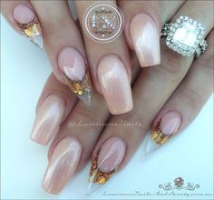 Glitter mix in Holo Rose Gold by Glitterblendz from @luminousnails