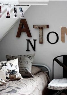 Stoere kamer met stoere letters in de vorm van je naam..