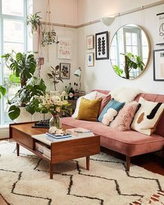Boho living room - Modern boho living room - Home - Living room inspiration - Apartment decor - Boho Retro Living Rooms, Boho Living Room, Home And Living, Living Spaces, Living Room With Plants, Art Deco Living Room, Mid Century Modern Living Room, Living Room Designs, Boho Room