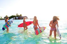I wish I lived on a beach do I could go surfing with all of my friends everyday<3 Surfer Girls, Summer Sun, Summer Of Love, Summer Beach, Summer Vibes, Summer Days, Summer 2014, Hello Summer, Summer Feeling