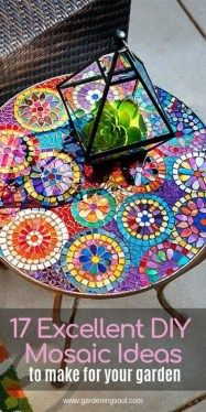Wonderful Diy Mosaic Decorations Ideas For Garden05 Mosaic Garden Art, Mosaic Tile Art, Mosaic Glass, Mosaic Pots, Pebble Mosaic, Stained Glass, Mosaic Art Projects, Mosaic Crafts, Canto Bar