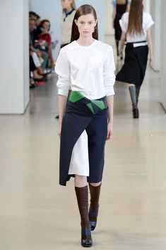 The complete Jil Sander Spring 2015 Ready-to-Wear fashion show now on Vogue Runway.