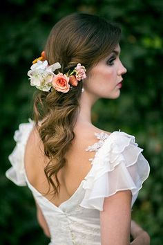 Wedding Hairstyles for Outdoor Weddings - Curled Tresses with a Half Crown