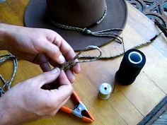 How to make a simple paracord hat band - YouTube