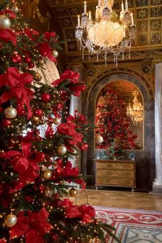 Tea in the trianon – christmas decorations Christmas Room, Christmas Scenes, Noel Christmas, Victorian Christmas, Winter Christmas, Xmas, Christmas Cards, Christmas Ornaments, Christmas Tree Inspiration