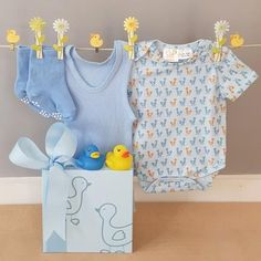 Our Just Ducky baby boy hamper little ducky contains a Gingerlilly baby body suit as well as a baby singlet and pair os baby socks and includes two very cute little ducky baby bath squirters, all beautifully gift boxed and delivered to your door. Baby Gift Hampers, Baby Hamper, Baby Massage, Baby Boy Gifts, Baby Socks, Beautiful Gifts, Baby Design, Baby Bodysuit, Baby Blue