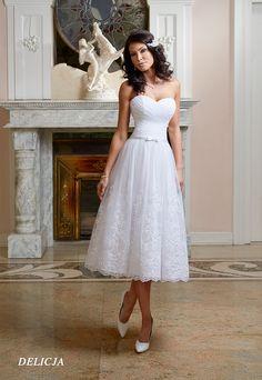 Suknie ślubne Fasson, Wedding dresses by Dorota Wróbel, Suknia Delicja, krótka suknia koronkowa