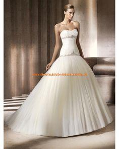 Extravagante Brautkleider aus Tüll Ballkleid mit langer Schleppe 2013