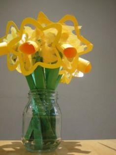 Beautiful spring craft for toddlers: daffodil suncatchers   BabyCentre Blog