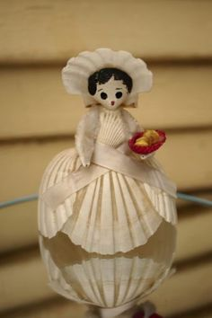 Vintage-Sea-Shell-Folk-Art-Doll-Figurine-Hand-Made-Painted-Cute-Kitsch