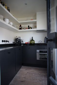 Un appartement restructuré et modernisé dans le Marais - PLANETE DECO a homes world