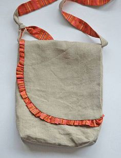 Get the free messenger bag pattern here Making Leather Bags Don't spend hundreds on a handbag when you can make one on your sewing machine. Customize and s