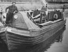 Narrow Boat Plan - Josher Motor by FMC Yarwoods for sale Narrow Boat, East End London, Canal Boat, Boat Plans, Long Distance, Boating, Transportation, The Past, British