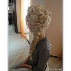 Elsa's braid Hair ❤ liked on Polyvore featuring hair, cabelo, beauty, disney and hair styles
