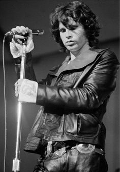 Expose yourself to your deepest fear; after that, fear has no power, and the fear of freedom shrinks and vanishes. –Jim Morrison